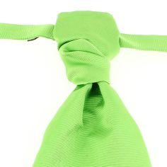 Lavallière nouée en soie, Vert Cedro, Faite à la main