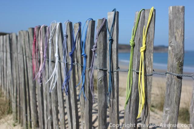 lacets de couleur sur la place du guesclin