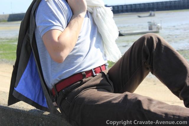 ceinture tyler tressee rouge et cheche homme blanc