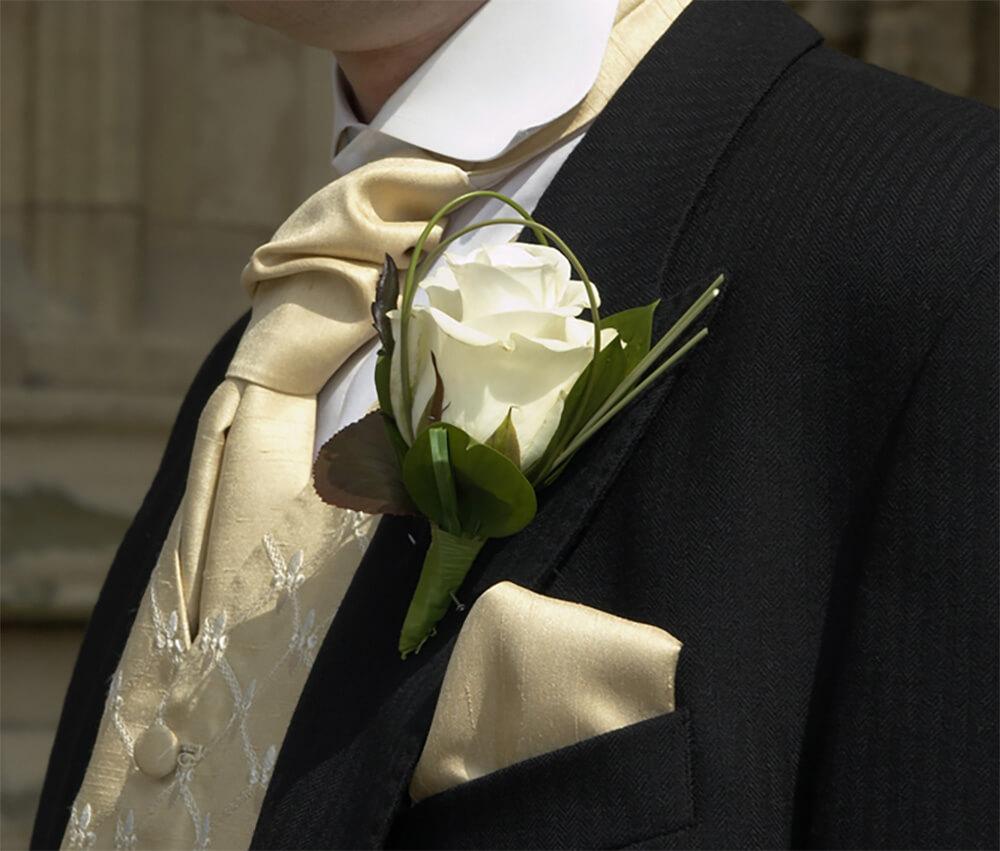 cravate lavallière en soie pour mariage
