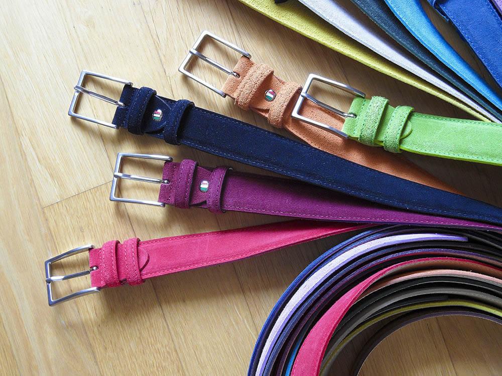 ceinture en daim de couleur