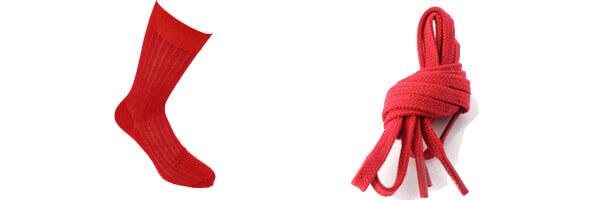 Chaussettes pur fil dEcosse- Rouge intense- Tony & Paul et lacets rouge