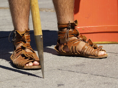une chaussure romaine