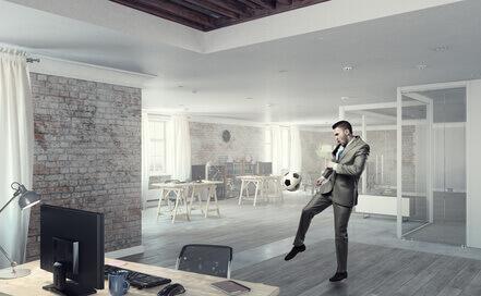 jouer au football au bureau