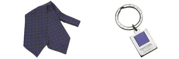 foulard Ascot cercle Bleu et porte cles pantone bleu
