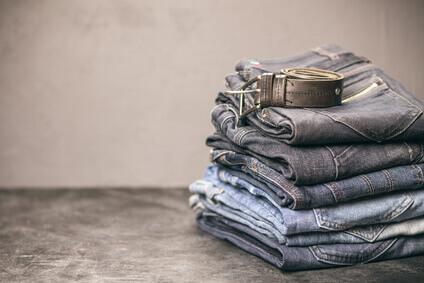 Pile of jeans - pile de jeans