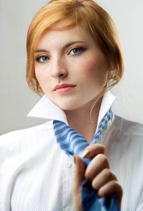 Femme En Cravate belles en cravate ou comment les femmes peuvent porter la cravate