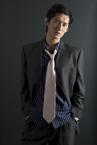 Assortir cravate et chemise rose avec bleu blanc avec - Cravate noire homme ...